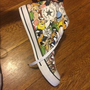Limited Edition Converse X Looney Tunes (Men's 9)